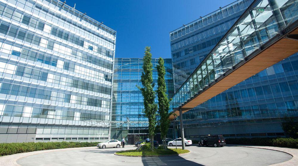 SOLGT: Nokia får en milliard kroner mindre enn ventet for hovedkvarteret sitt i Espoo, Finland.