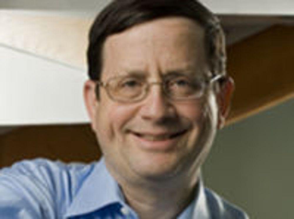 Jeff Jaffe tok sin Ph.D-grad i informatikk ved MIT i 1979, før han begynte i IBM.  Senere fortsatte han karrieren blant annet i Bell Labs, og sist som teknologidirektør i Novell.  President Bill Clinton utnevnte i sin tid Jaffe som sikkerhetssjef for Advisory Committee for the Presidential Commission for Critical Infrastructure Protection.  Dr. Jaffe er nå CEO for W3C.