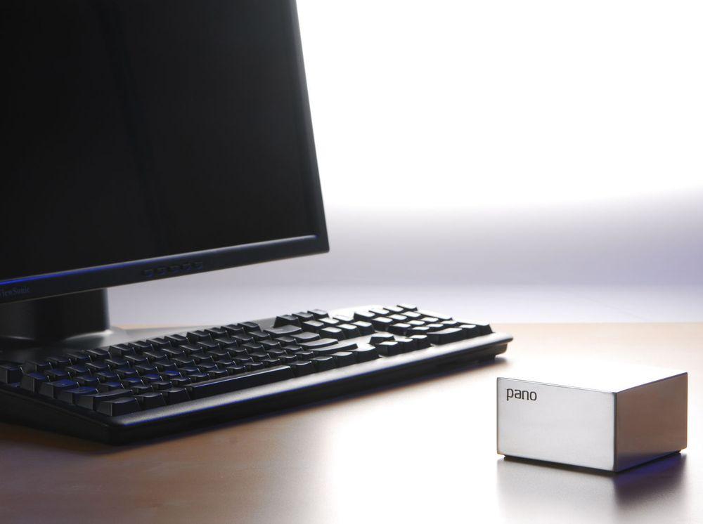 Nullklienten til Pano Logic har verken prosessor, minne eller operativsystem, og tar minimalt med plass. Strømforbruket er 3,5 watt. I OEM-versjonen fra Fujitsu, er nullklienten integrert i skjermen.