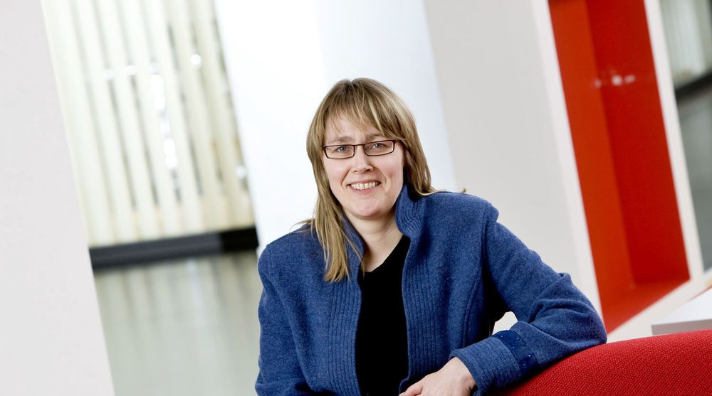 NAVs IKT-sjef, Nina Aulie, forsvarer etatens tøffe kontraktskrav til sine leverandører.