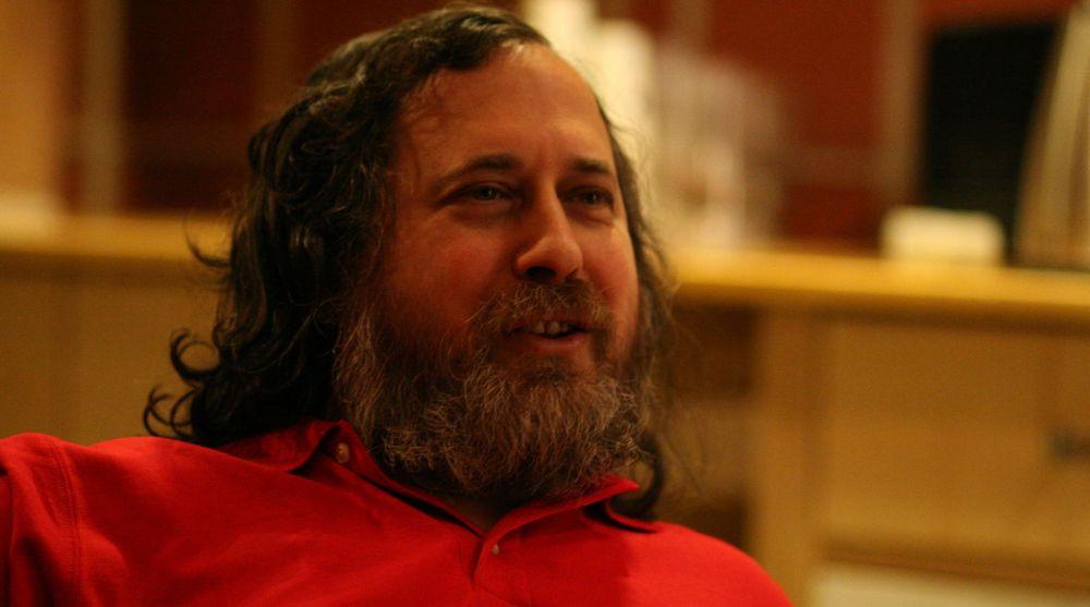 Richard Stallman er ikke nådig mot Facebook.