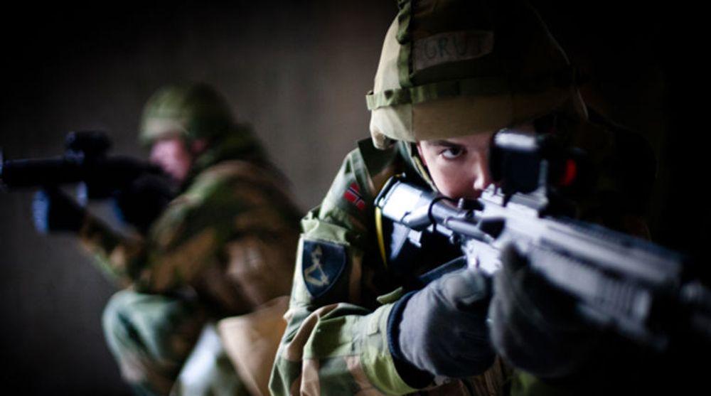 Steria har vunnet to nye rammeavtaler med Forsvaret. Bildet viser soldater fra kampskvadronen under avluttende mestringsøvelse på Rena.