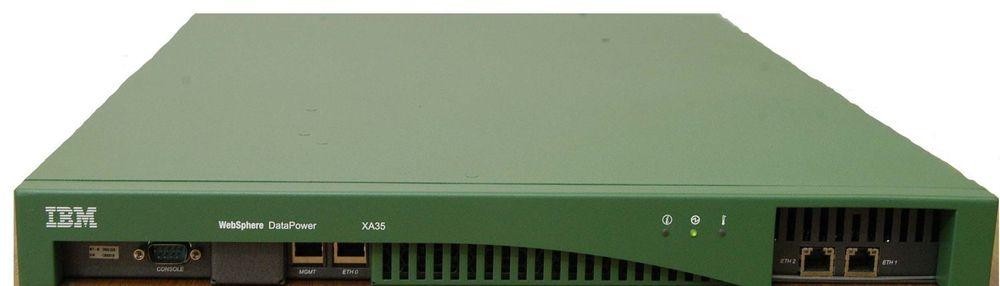Den grønne boksen til IBM Datapower kontroller, validerer og, om nødvendig, omformaterer XML-trafikk i nettverket.