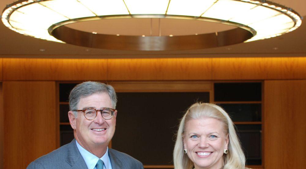 Det hviler en glorie over IBM, her representert ved avtroppende toppsjef Sam Palmisano, og påtroppende toppsjef Virginia Rometty.