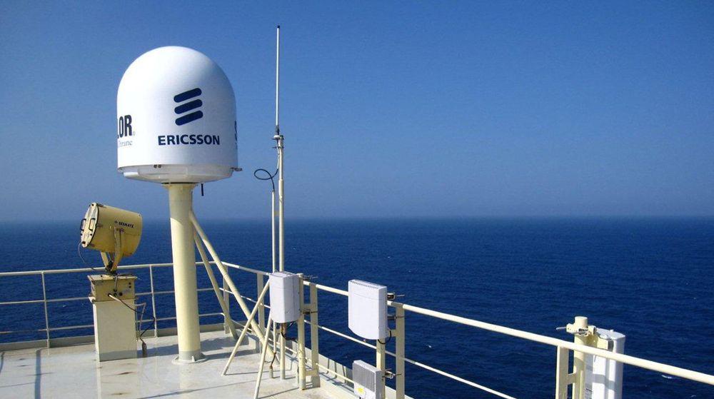 Lokale basestasjoner for mobil, sammen med utvidet satellittkommunikasjon, gir shippingselskapet Maersk muligheten til å følge med i fartøyenes drift i sanntid.