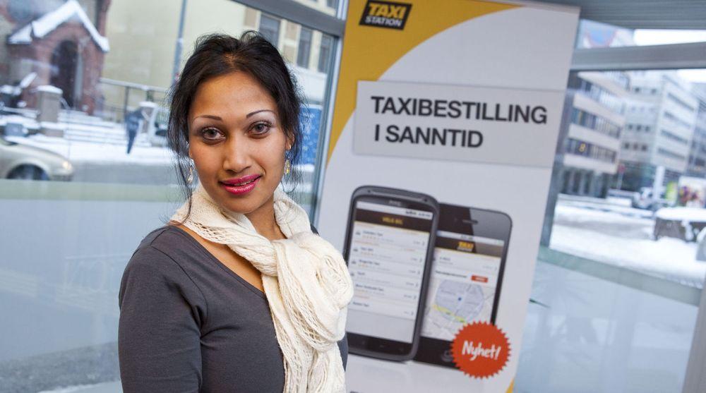 Saera Khan tar steget fra politikken til næringslivet. Nå skal hun være med på å gjøre drosjenæringen mer effektiv og taxiregninger betydelig enklere.
