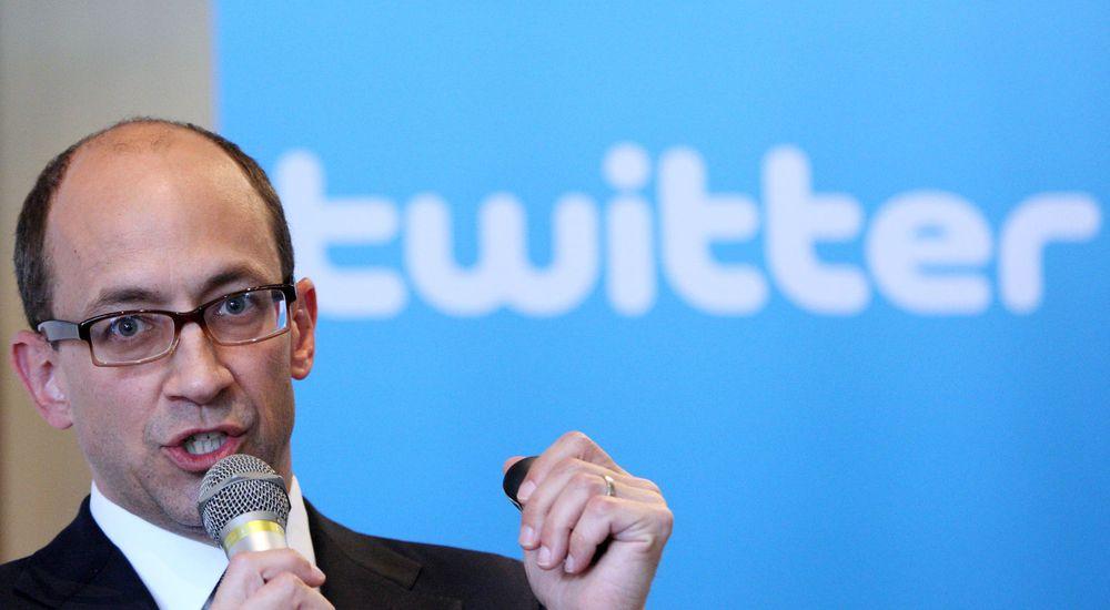 Twitters toppsjef, Dick Costolo, er forventet å ta selskapet på børs i løpet av 2013. Da kan inntekter fra netthandel komme svært godt med.