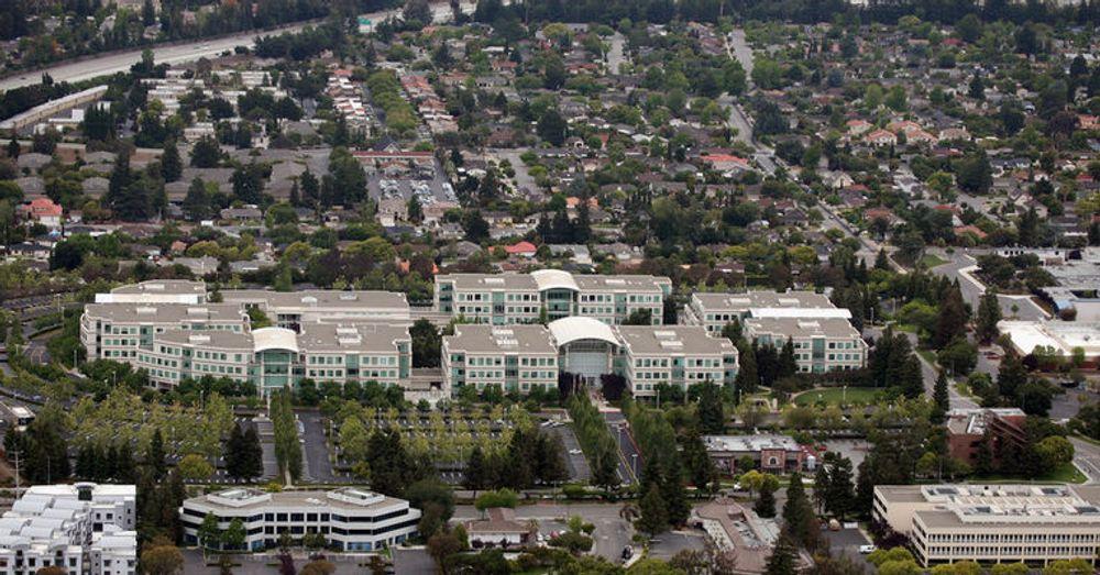 Apples hovedkvarter ved 1 Infinite Loop, Cupertino i California.