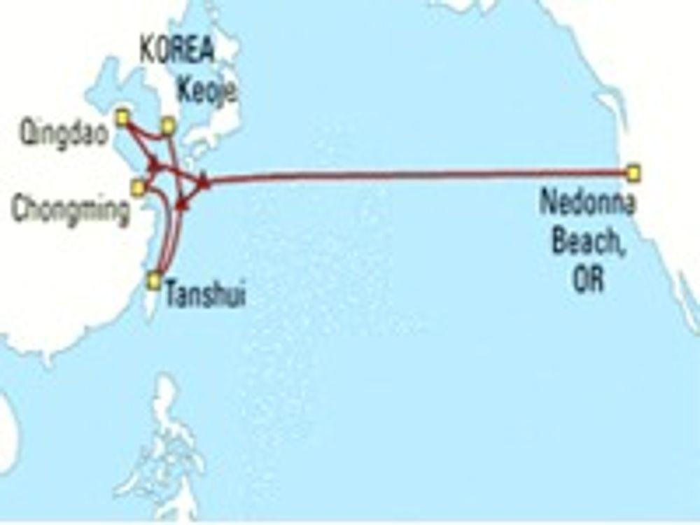 Avansert fiberkabel lagt over Stillehavet