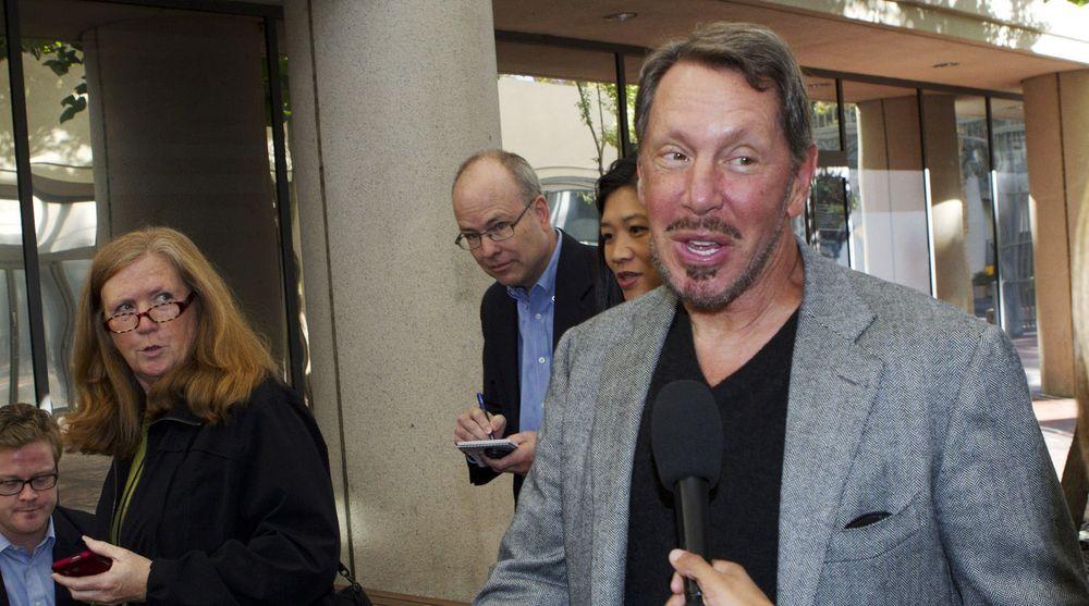 Oracles toppsjef og medgründer, Larry Ellison. Her ankommer han Robert F. Peckham Federal Courthouse i San Jose, California, i forbindelse med forlikssamtalene med Google-sjef Larry Page som ble arrangert mandag denne uken. De to skal angivelig fortsette samtalene i dag.