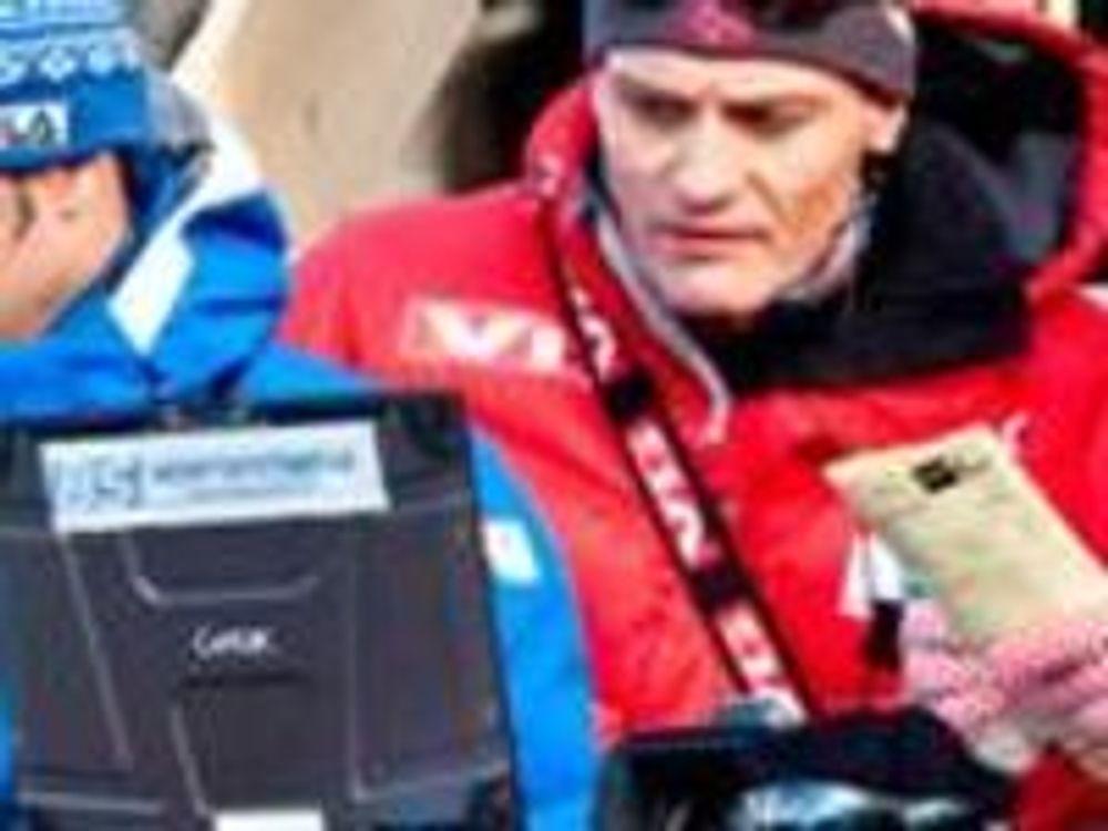 Pc-en til landslagstrener Mika Kojonkoski brukes til å gi hopperne videoanalysebaserte tilbakemeldinger straks de har hoppet.