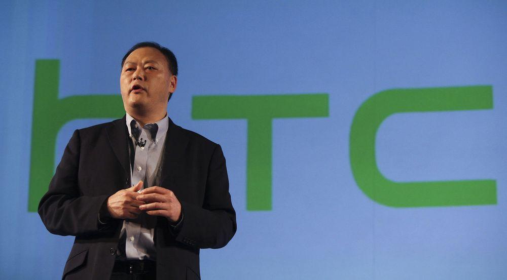 Toppsjef Peter Chou i HTC må klare seg uten Windows 8-produkter, ifølge nyhetsbyrået Bloomberg.