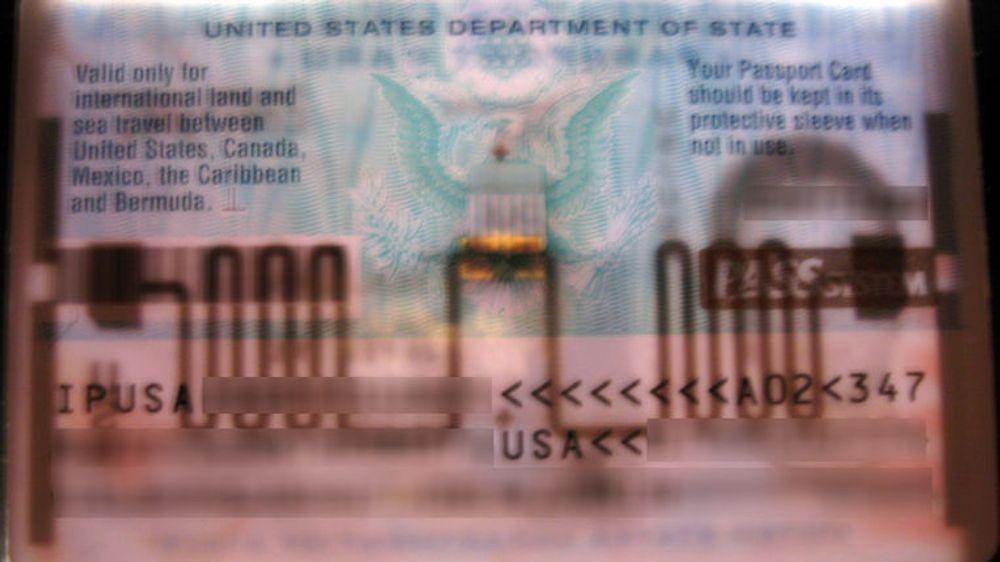 United States Passport Card: Den forholdsvis kraftige antennen viser hvorfor kortet lar seg avlese over store avstander. Personopplysningene er sladdet.