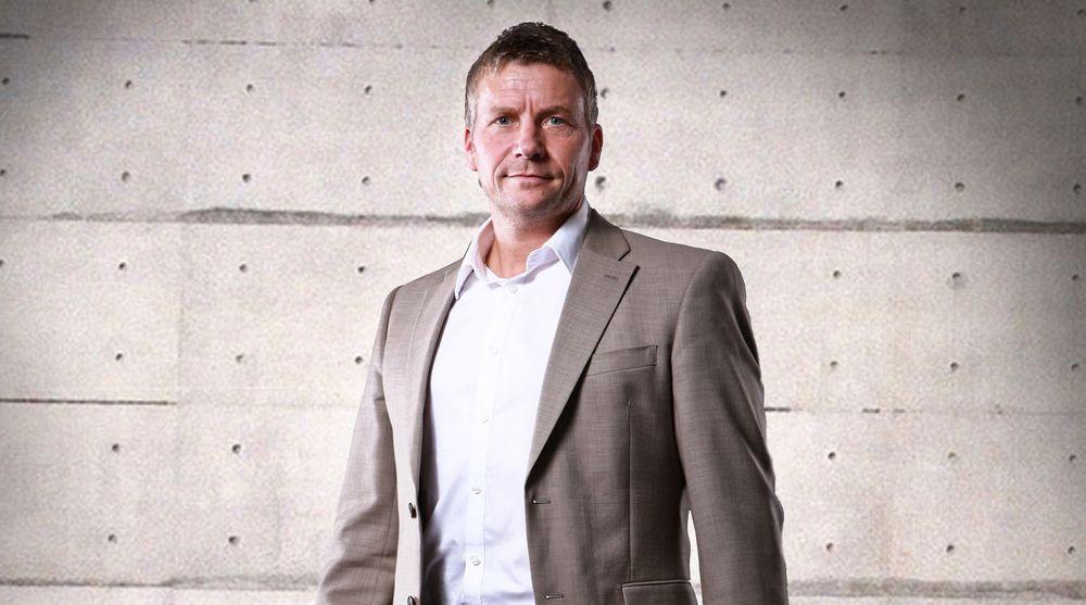 Adm. direktør Marthin Storm Hansen i Itum IT Partner vil sloss mot de store. Nå har IT-kjeden fått to nye selskaper med seg og vil nå en omsetning på 600 millioner kroner i år.