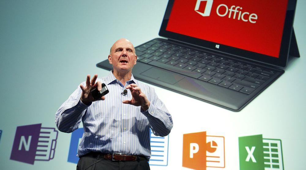 Steve Ballmer gir blant annet bort dette nettbrettet til alle heltidsansatte i Microsoft.