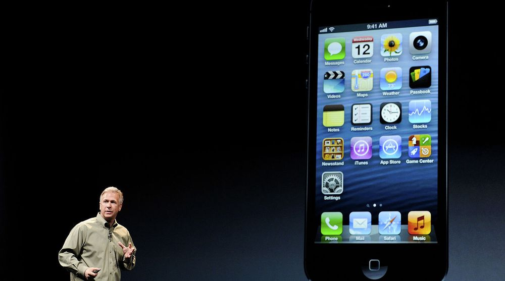 Apples markedssjef, Phil Schiller, stod for deler av presentasjonen av selskapets nye smartmobil, iPhone 5.