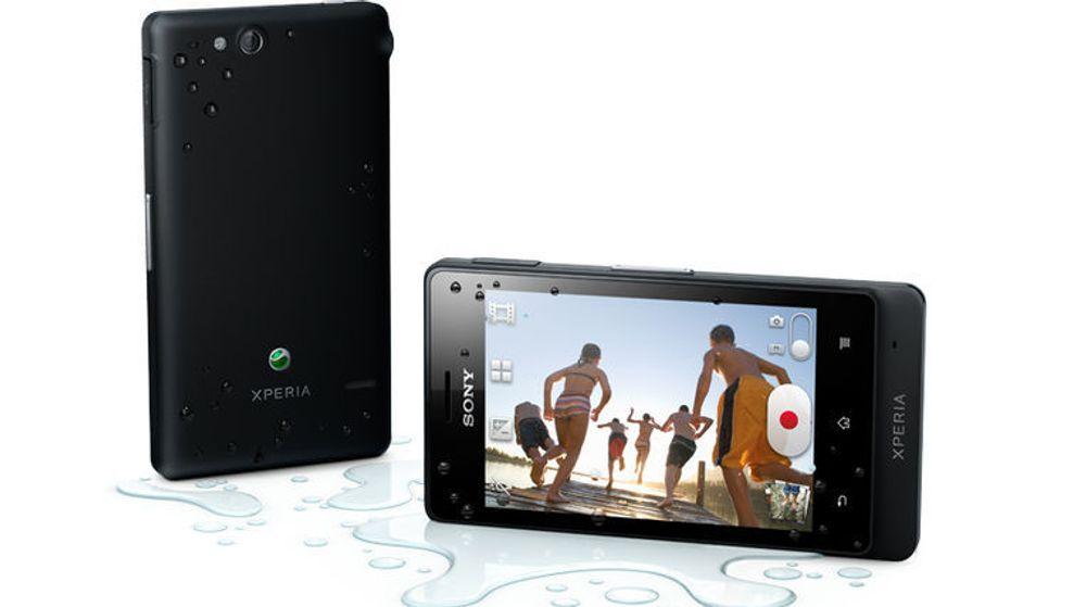 Sony Xperia Go er den eneste nykommeren i NetComs topp ti-liste for august. Den skal blant annet kunne tåle litt vannsprut.