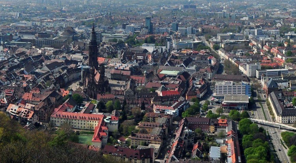 Den tyske byen Freiburg vil forlate OpenOffice.org til fordel for Microsoft Office, men kritiseres for å bruke argumenter basert på feilaktiv og utdatert informasjon.