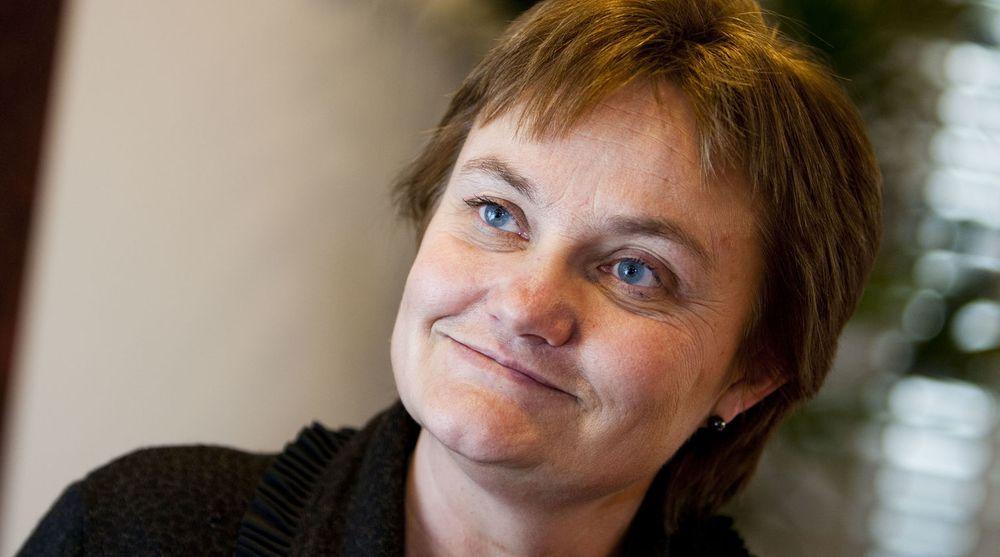 Rigmor Aasrud er fornøyd med at Facebook vil diskutere løsninger for Slettmeg.no, selv om de ikke vil gi noen penger nå.