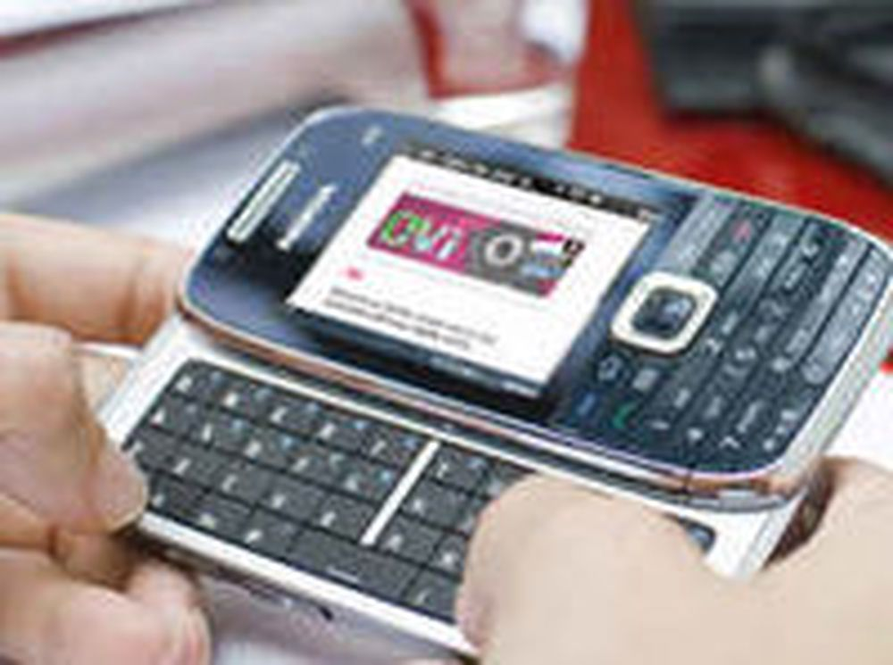 Nokia og RIM danker fortsatt ut Apple