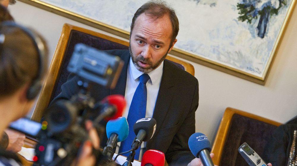På pressekonferansen om Altinn kom næringsminister Trond Giske med en utillatelig ansvarsfraskrivelse, samtidig som han feilinformerte på flere punkter, skriver Arild Haraldsen.