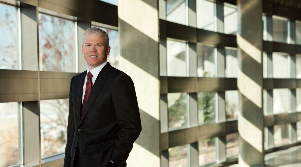 Toppsjef Rich Tempelton i Texas Instruments gir opp kampen om å levere brikker til nettbrett og smarttelefoner. Nå satser heller selskapet på integrerte løsninger til for eksempel bilindustrien.