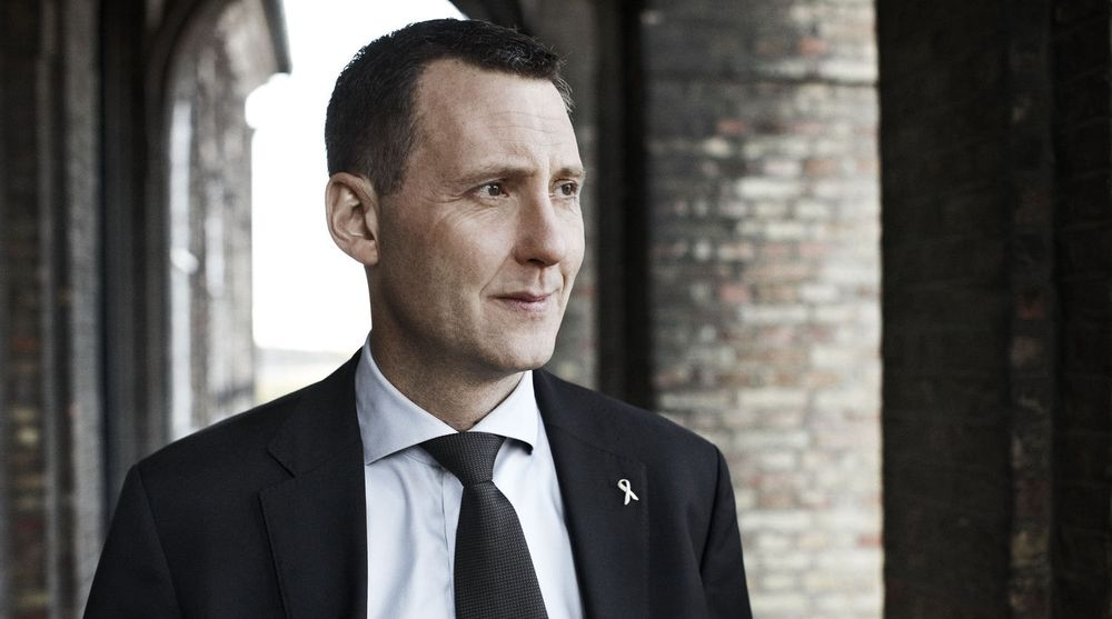 Den danske forsvarsminister Nick Hækkerup varsler at Danmark etablerer en militær digital angrepsenhet som skal bite fra seg i kyber-rommet.