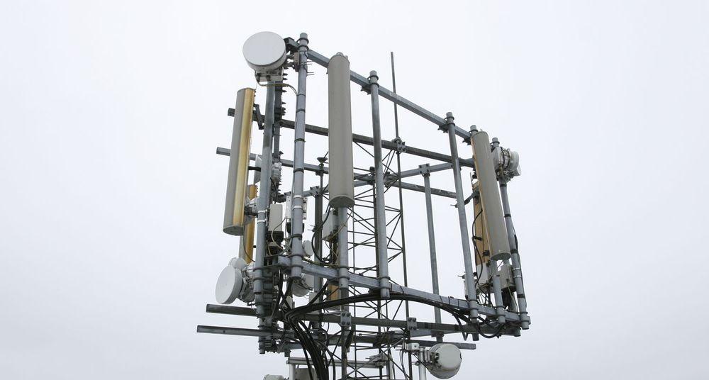 Tele2 og Network Norway må revurdere sine mobilplaner etter reguleringsvedtak fra Post- og teletilsynet.