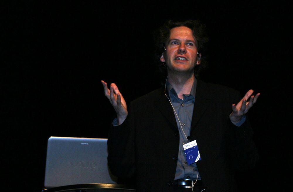 Belgias interoperabilitetsekspert Bart Hanssens fortalte norske og nordiske tilhørere hvordan Belgia sørget for at alle offentlige etater skal bruke ODF-formatet.