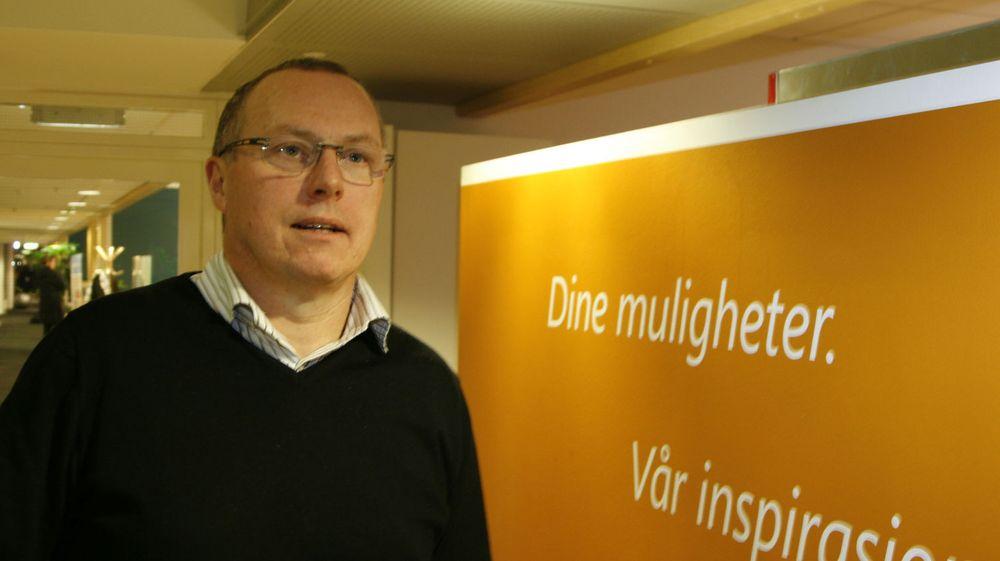 Knut Morten Aasrud går fra Microsoft til Evry. Det norske IT-selskapet omrokerer og slanker ledelsen kraftig.