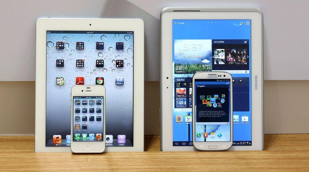 Til venstre: Apple iPad 2 og iPhone 4S. Til høyre: Samsung Galaxy Tab 10.1 og Galaxy SIII. Dommen innebærer et forbud mot begge nettbrettene i Sør-Korea, mens begge mobiltelefonene kan selges videre. Den eldre iPhone 4 er derimot forbudt, i likhet med eldre mobiltelefoner i Galaxy-serien.