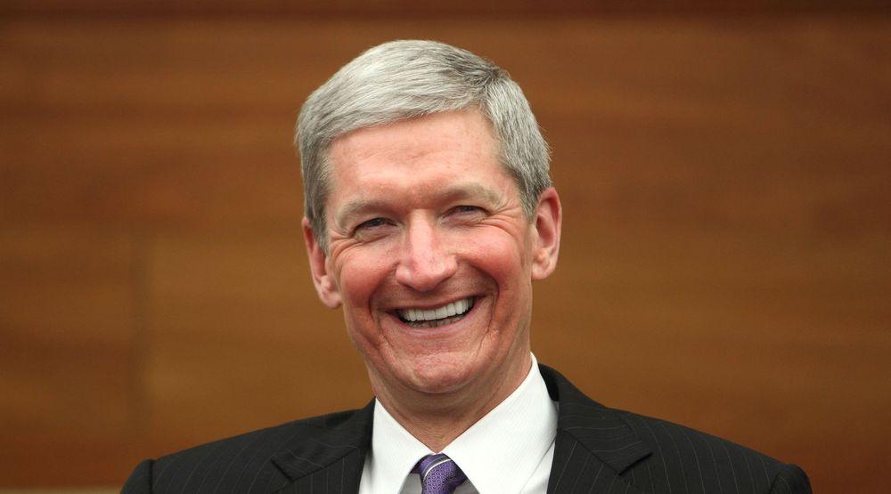 Apple-sjef Tim Cook har all grunn til å smile.