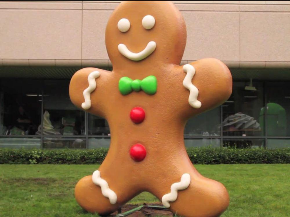 Statuen for Gingerbread-utgaven av Android har kommet på plass hos Google.