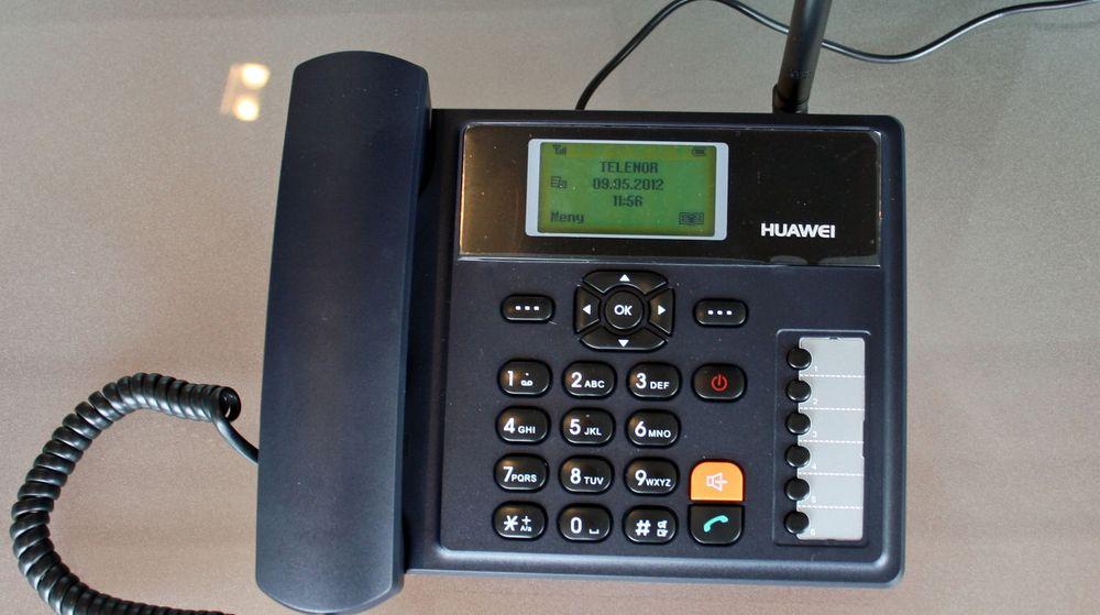 Telenors erstatningstelefon ligner en tradisjonell fasttelefon. Men den kobles til mobilnettet, ikke telenettet.