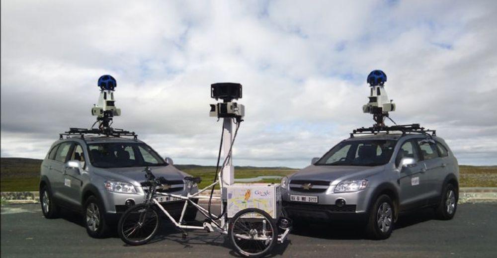 Biler og trehjulssykkel brukt til å samle inn data for Google Street View i India.