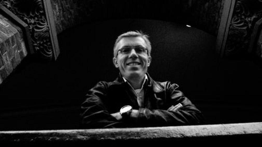 Kristian Fæste i vikarbyrået Xtra Personell har grunn til å smile bredt. I fjor leverte han et rekordresultat og IT-vikarer har mye av æren.