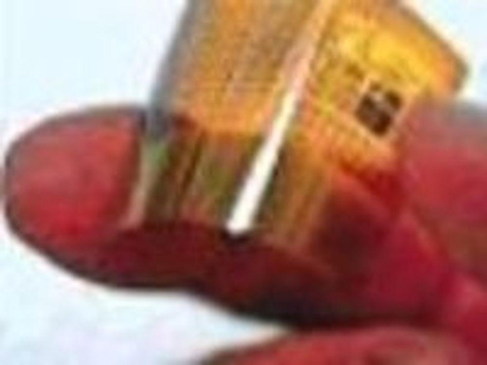 Opticom-restene håper på leketøy