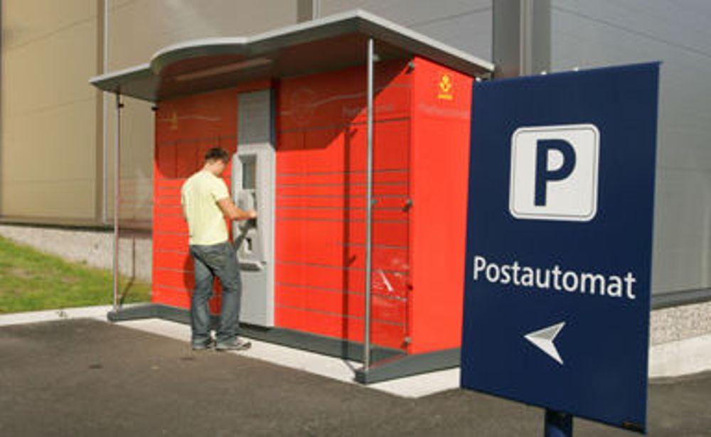 Posten mener helautomatiske postautomater vil bidra til å gjøre netthandel enda enklere. Automaten på bildet er utplassert i Sandefjord.