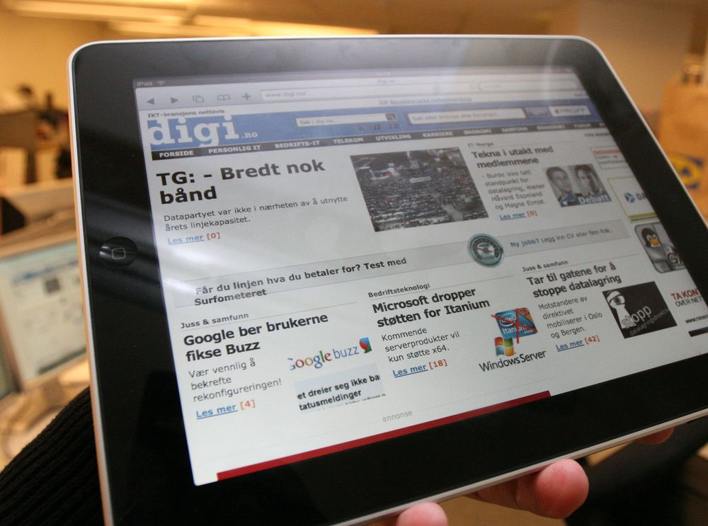 Lange køer for iPad verden over