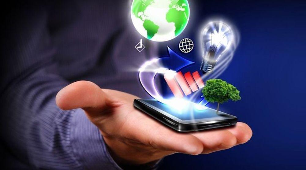 SMS blir viktigere som en alternativ bærer til internett, tror Hans Jørgen Eliassen i Evry Consulting.