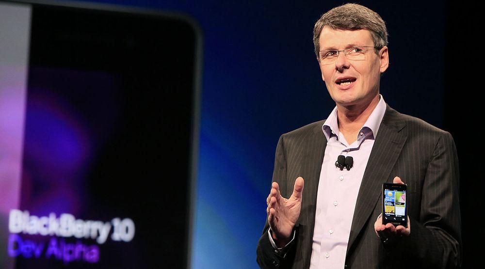 RIM-sjef Thorsten Heins er beredt på å satse alt for å gjøre Blackberry 10 til en suksess. Samtidig har han måttet revidere strukturen i operatøravtalene som i dag står for over en tredel av selskapets omsetning. Investorene frykter det innebærer vesentlig reduserte inntekter for selskapet.