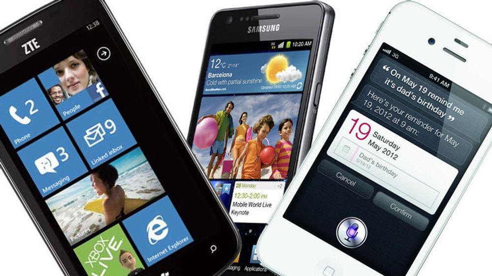 Nettbrukere kaster seg over mobile plattformer, men annonsørene har ikke vært like ivrige. Nå dumper Google og Apple prisene for å lokke flere over før Facebook kommer.