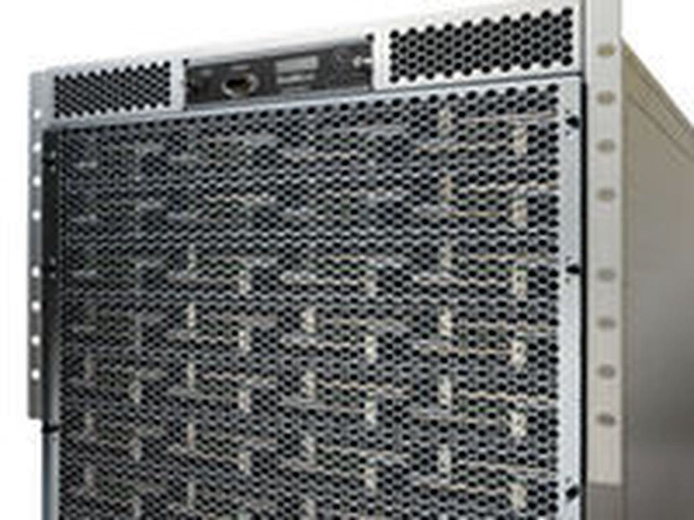 SM10000 fra SeaMicro består av 512 Atom-prosessorer. Boksen har en lastbalanserer som ifølge selskapet håndterer opptil 32 millioner samtidige nettforbindelser.