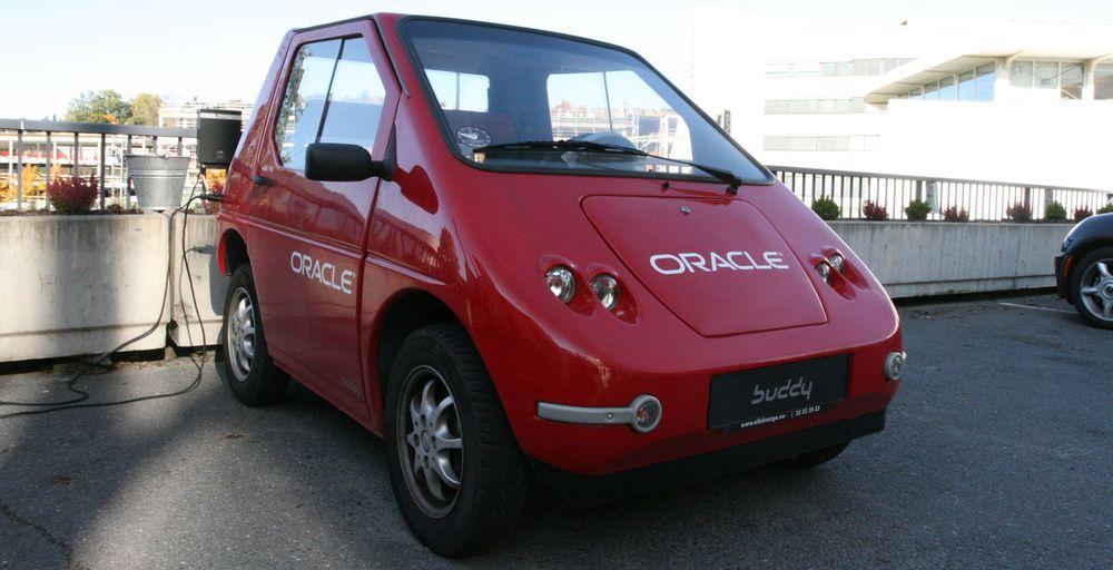 Tore Bjelland blir forfremmet til administrerende direktør i Oracle Norge. Hvorvidt firmabil er inkludert i avtalen vites ikke, men Oracle har ihvertfall egen EL-bil som kan disponeres.