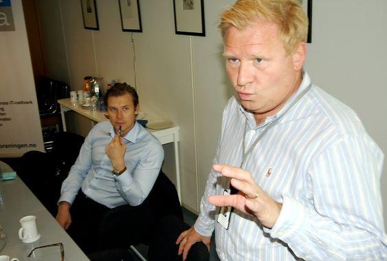 Jon Oluf Brodersen, leder av IT-politisk råd, Dataforeningen (og konserndirektør IT, Nokas) (foran).