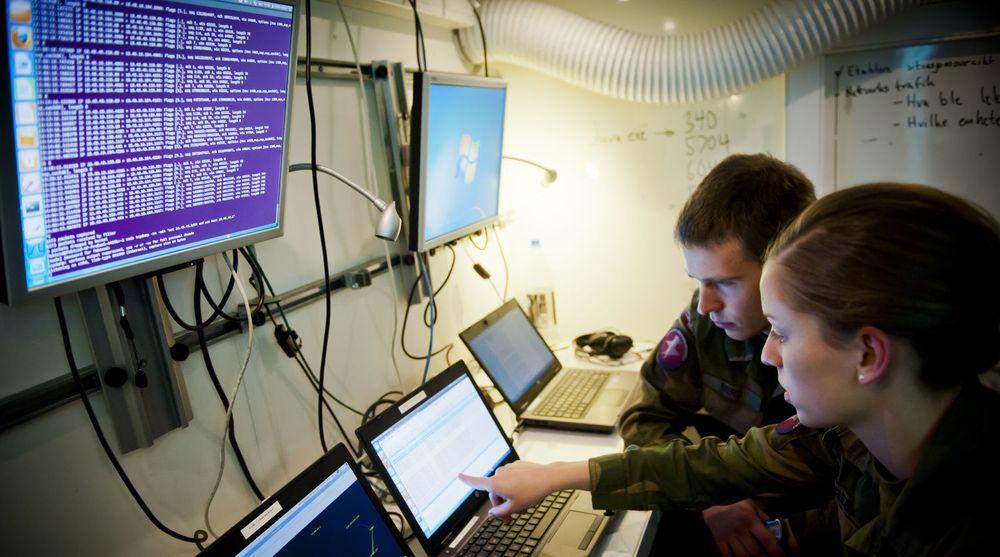 Svært mange unge søker seg til ingeniørlinjene hos forsvaret. Særlig er det kyber-feltet som trekker de unge.