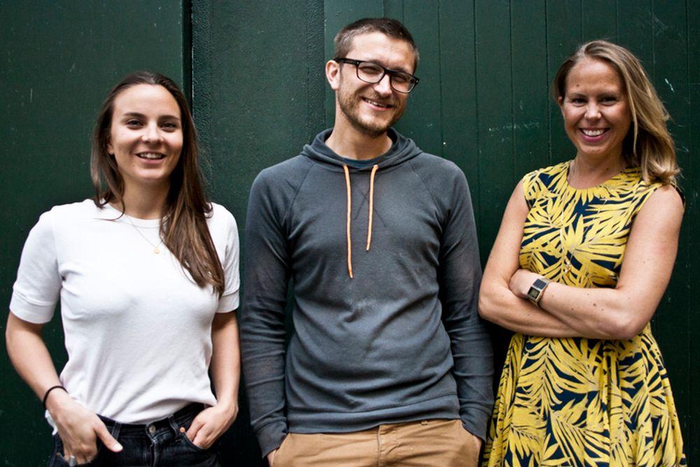 Teddy Falsen Hiis, Steffen Fagerström Christensen og Madeleine Holbye i 23 ruller ut den nye strømmetjenesten i dag.