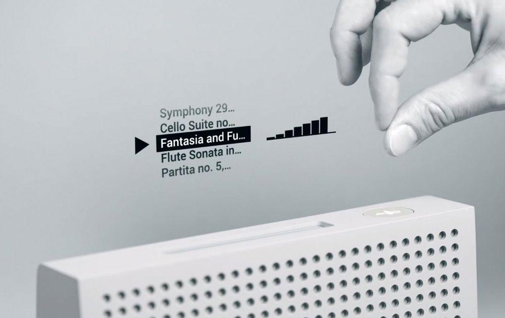 Ved å gni fingertuppene mot hverandre over radaren, kan man med Project Soli for eksempel velge et musikkspor fra en meny.