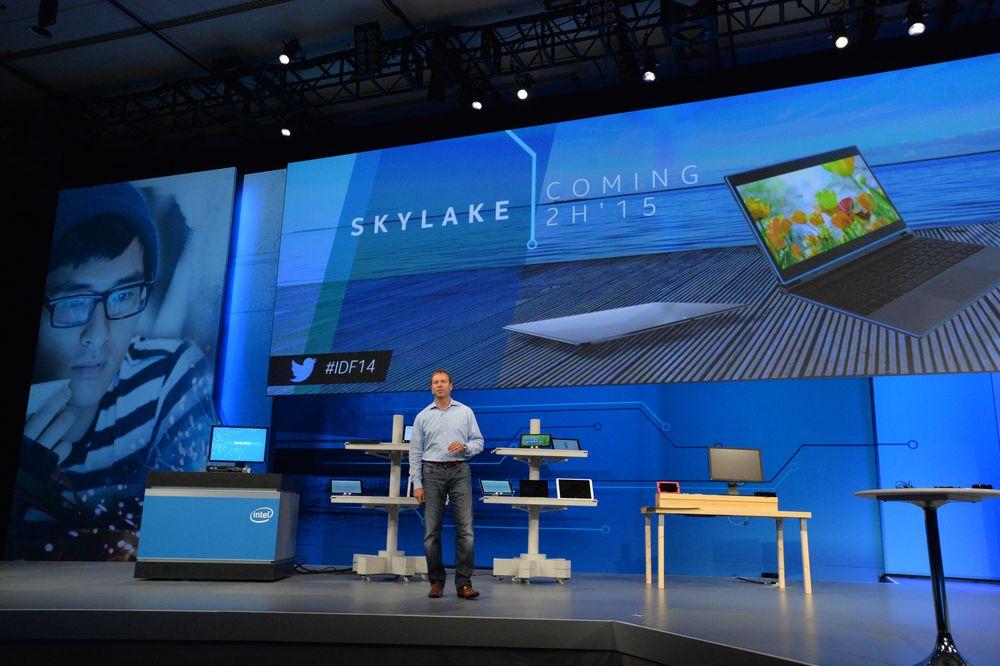 Vi må fortsatt vente litt mer på å få vite flere detaljer om Skylake. Her fra Intels presentasjon for ett år siden.