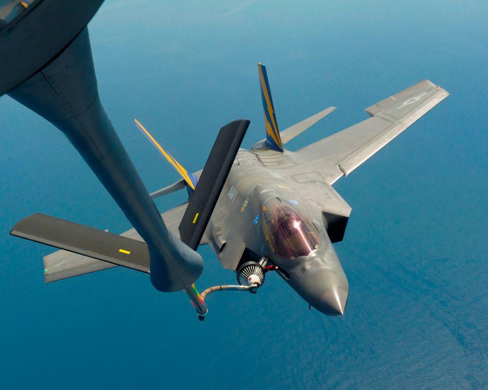 Fleksibel elektronikk skal for eksempel gjøre det mulig å bygge sensorer direkte inn i fly eller skip.